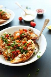 Средиземноморский запеченный сладкий картофель