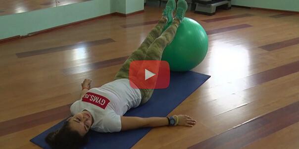 Упражнения на фитболе для сжигания жира на животе