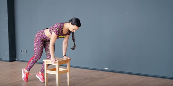Упражнения для дома. Тренировка со стулом