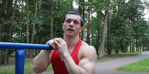 Самое четкое упражнение для грудных мышц на брусьях